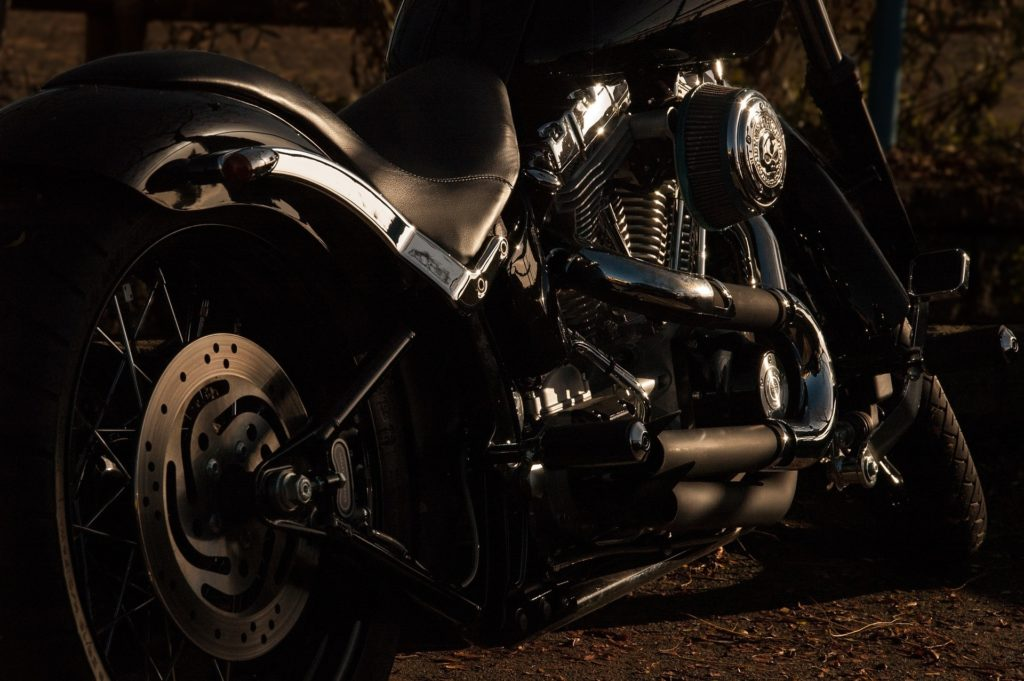 motorcycle-1148963_1920