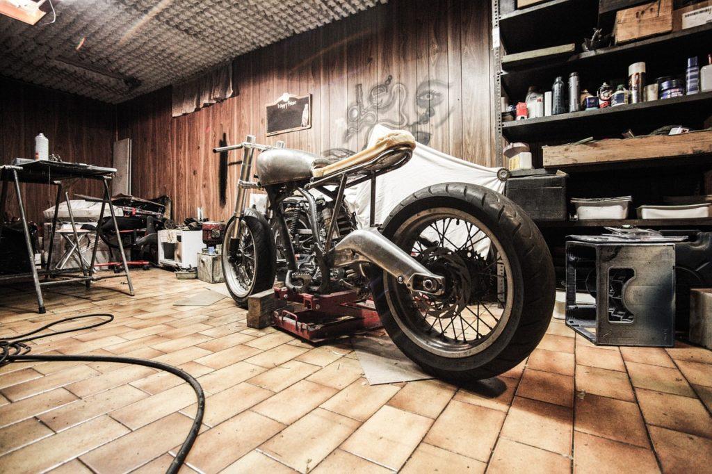 motorbike-407186_1280
